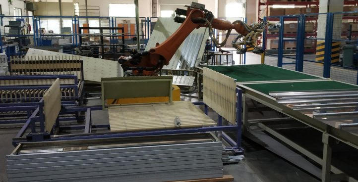 Robotic handling cell